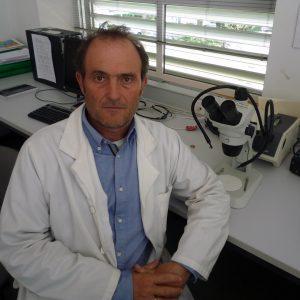 foto director cátedra agricultura sostenible en el campo de caratagena